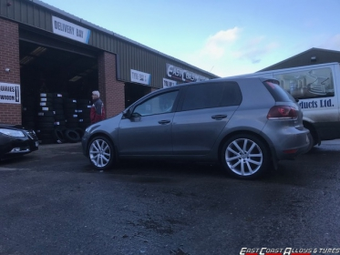 VW GOLF WITH RIVA AVS ALLOYS